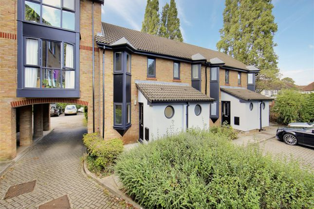 Thumbnail Detached house to rent in Sterling Place, London