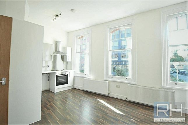 Thumbnail Flat to rent in Station Road, Barnet