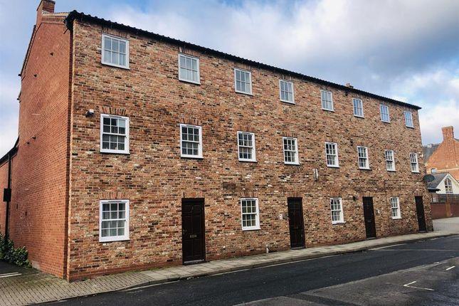 3 bed flat to rent in Templar Mews, Church Street, Gainsborough DN21