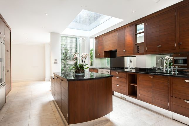 Thumbnail Terraced house to rent in Ansdell Terrace, Kensington, London