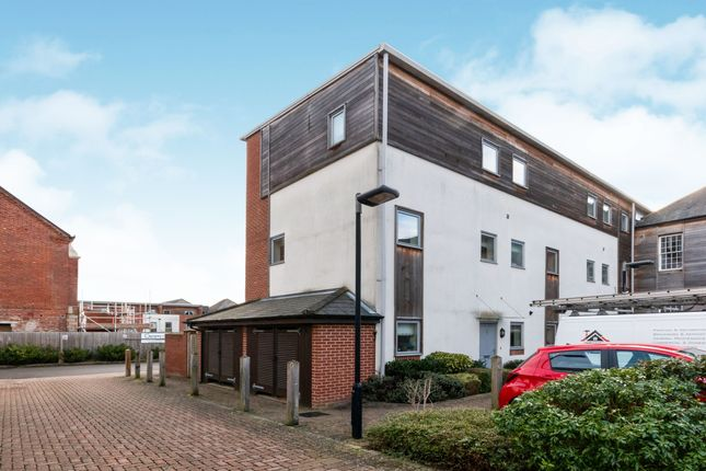Thumbnail Town house to rent in Canadian Way, Basingstoke
