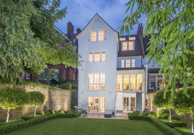 Thumbnail Property for sale in Ferncroft Avenue, Hampstead, London