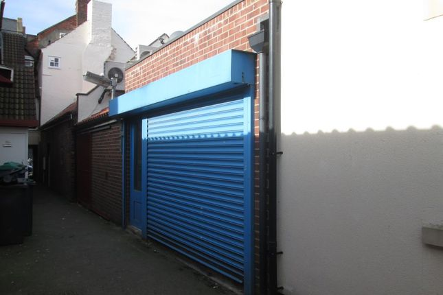 Retail premises to let in High Street, Northallerton