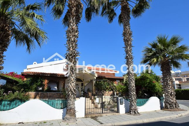 4 bed detached house for sale in Oroklini, Larnaca, Cyprus