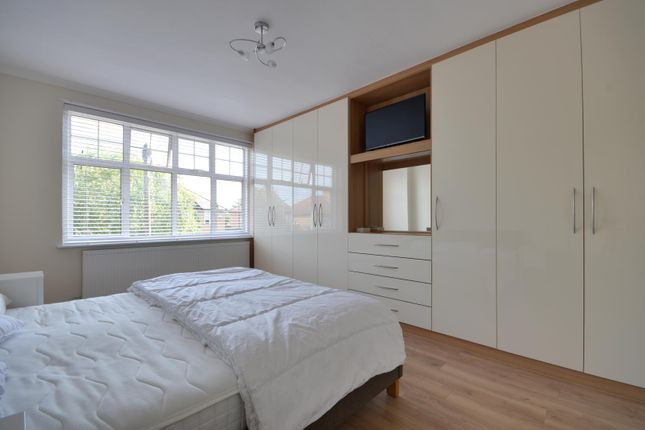 Thumbnail Property to rent in Crescent Gardens, Ruislip