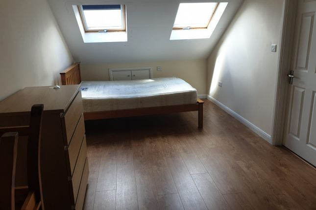 Thumbnail Room to rent in Warren Road, Layton