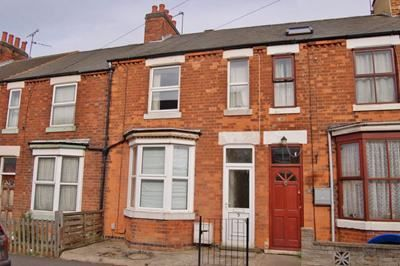 2 bed terraced house to rent in Lathkill Street, Market Harborough LE16