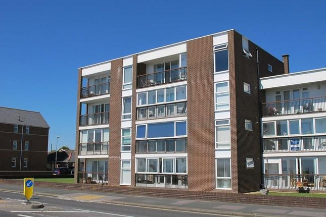 Thumbnail Flat for sale in Marine Parade West, Lee-On-The-Solent