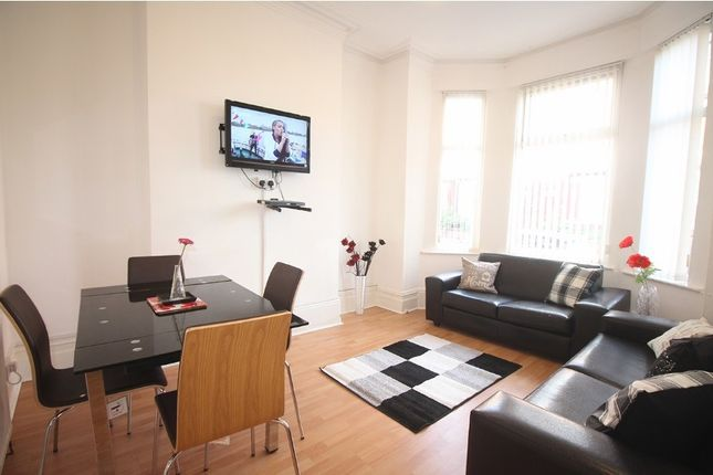 Thumbnail Property to rent in Longford Place, Victoria Park, Manchester
