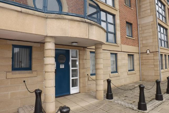 Thumbnail Shared accommodation to rent in Mariners Wharf, Quayside, Newcastle Upon Tyne