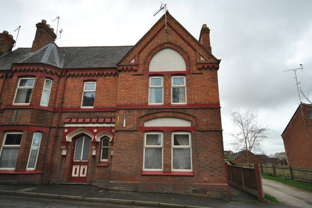 Thumbnail Flat to rent in Bargates, Whitchurch, Shropshire