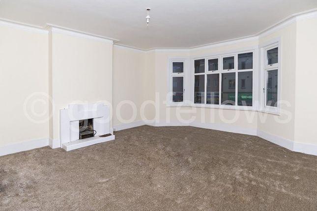 Thumbnail Property to rent in Woodcote Mews, Wallington