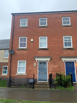 3 bed property to rent in Brights Road, Nuneaton CV10