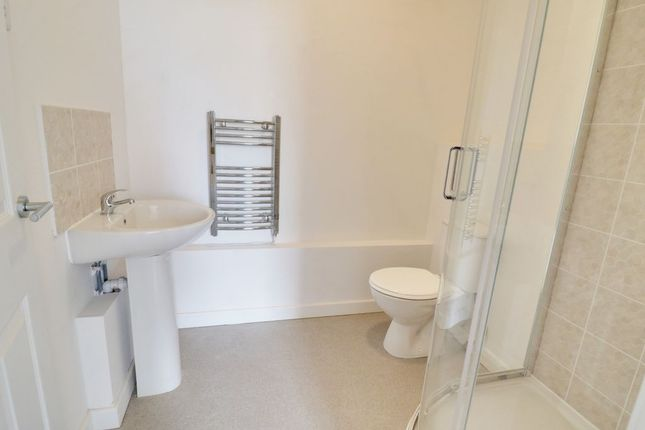 Ensuite To Bed 1 of Victoria Avenue, Southend-On-Sea SS2