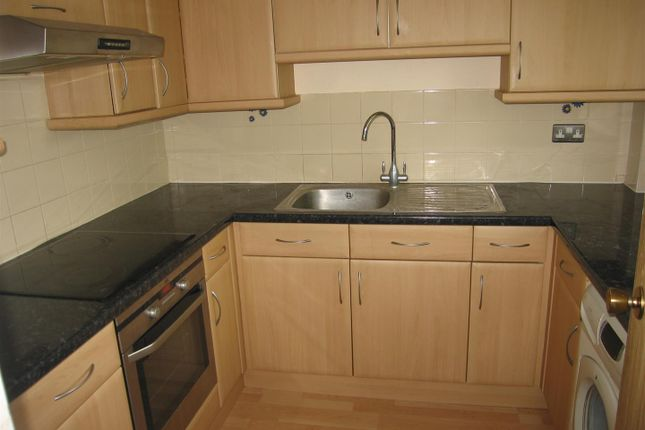 Thumbnail Flat to rent in Pedley Road, Chadwell Heath, Romford