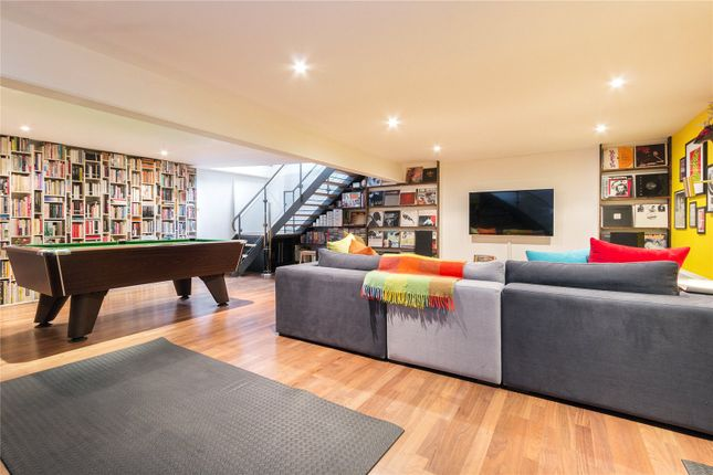 Thumbnail Flat to rent in Searles Road, London