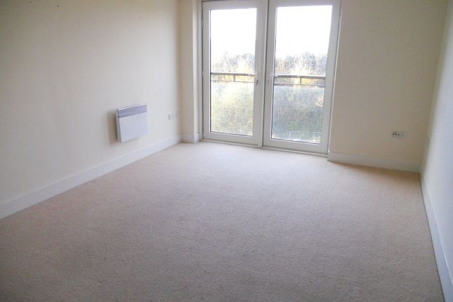 Thumbnail Flat to rent in Great Ormes House, Ferry Court, Cardiff