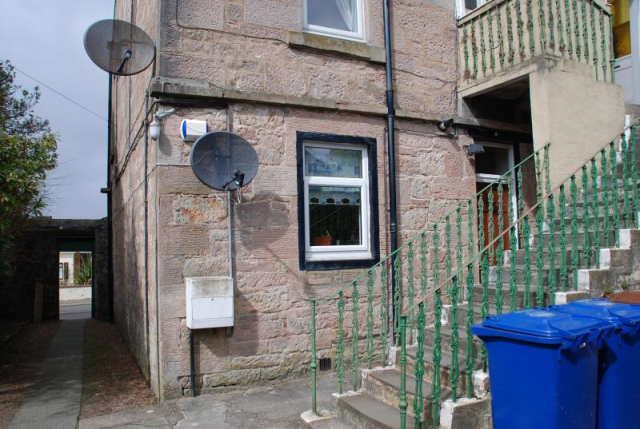 Thumbnail Flat to rent in Main Street, Inverkip Unfurnished