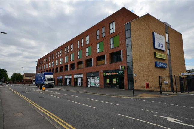 Thumbnail Flat to rent in Juniper House, Salford Quays, Salford, Greater Manchester