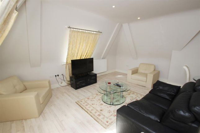 Thumbnail Flat to rent in Brooklands Court, Edgware