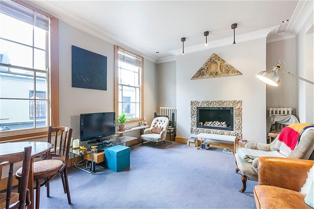 2 bed flat to rent in Camden Passage, Angel, Islington, London