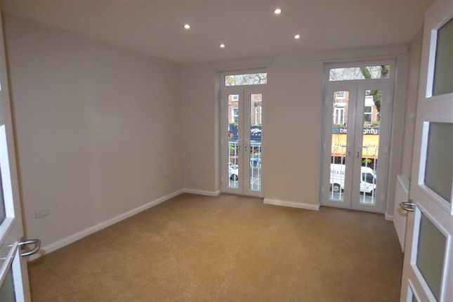 Thumbnail Flat to rent in Wilbraham Road, Chorlton, Manchester