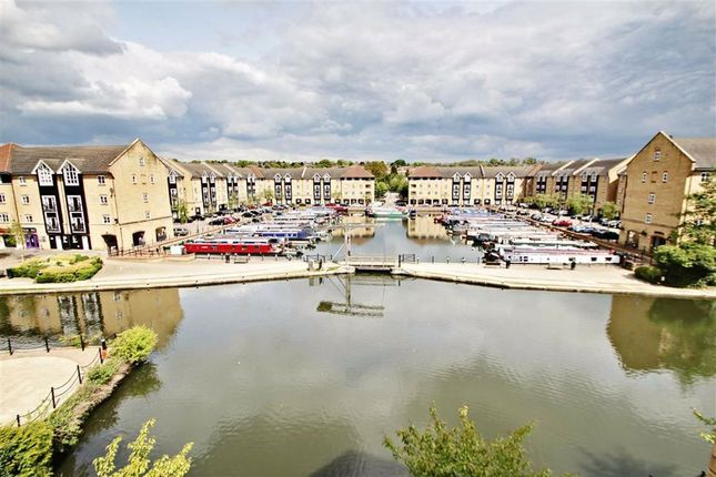 Thumbnail Flat to rent in Longman Court, Stationers Place, Hemel Hempstead