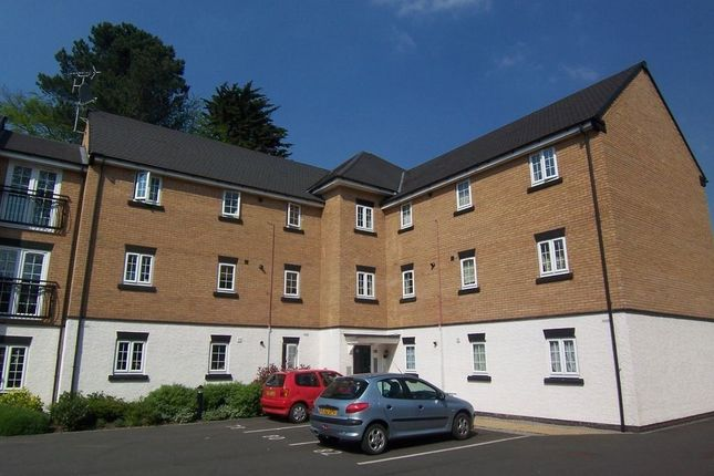 Thumbnail Flat to rent in Buchanan Road, Rugby