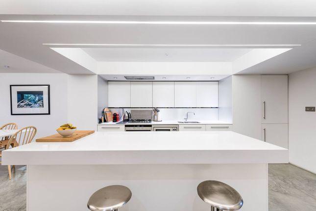 Thumbnail Flat to rent in St Georges Square, Pimlico