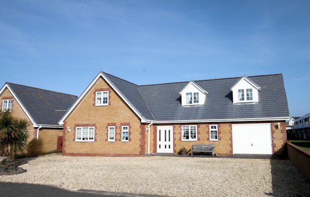 Thumbnail Detached house for sale in Corbett Avenue, Tywyn, Gwynedd