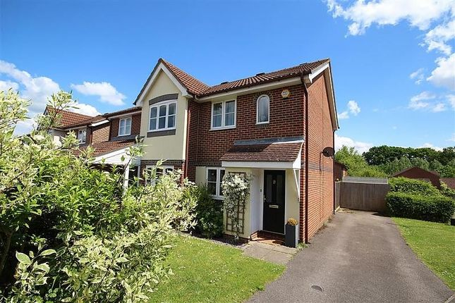 Thumbnail End terrace house to rent in Stephen Close, Twyford, Reading