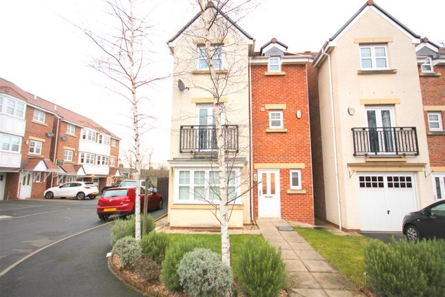 Thumbnail Town house to rent in Cheveley Court, Durham