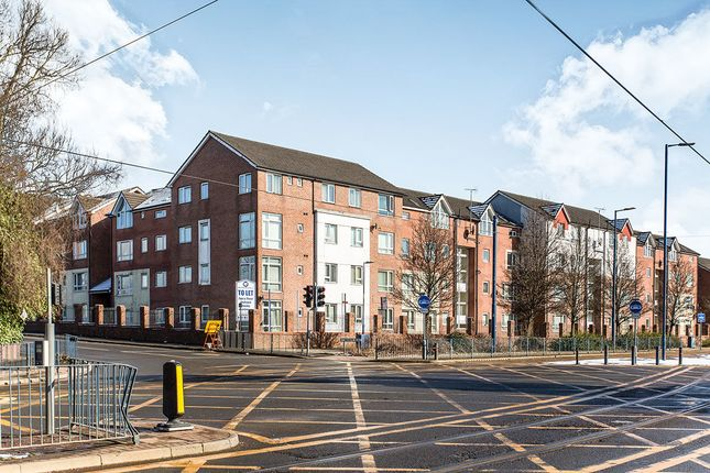 2 bed flat to rent in Sugar Mill Square, Salford