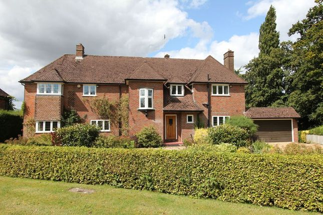 Thumbnail Detached house to rent in Top Park, Gerrards Cross