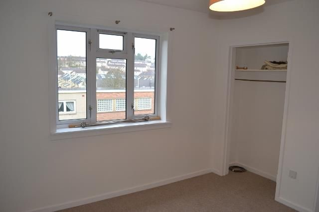 Flat to rent in Firbank Road, Perth