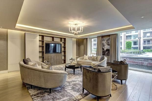 Thumbnail Flat to rent in Meadows House, Chelsea Creek, Park Street