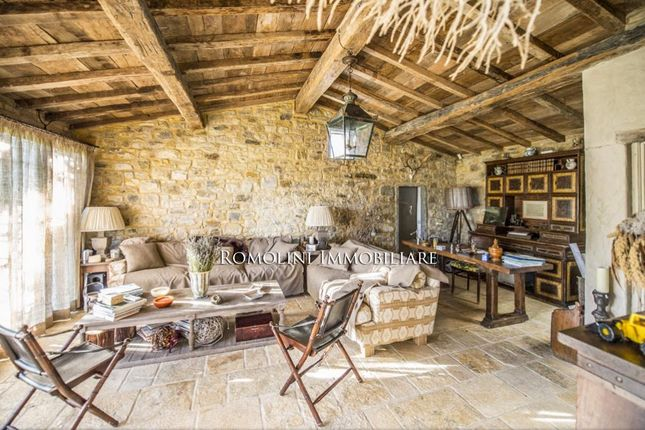 Farmhouse With Pool For Sale In Chianti