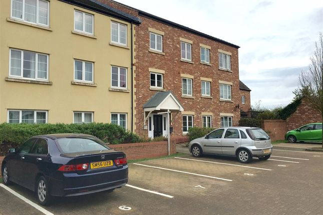 Thumbnail Flat for sale in Poseidon Close, Swindon