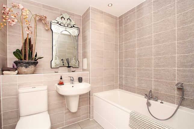 Bathroom of The Waterfront, Goring-By-Sea, Worthing BN12