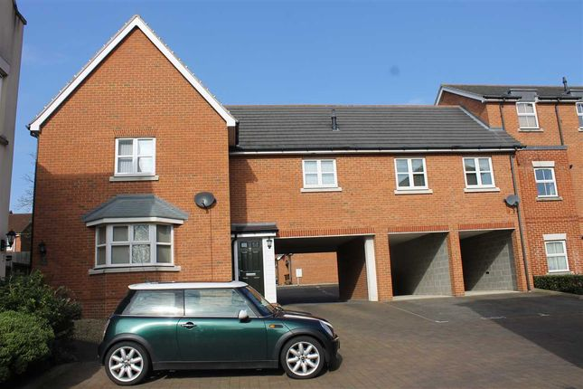 3 bed link-detached house to rent in Chivers Court, Ipswich