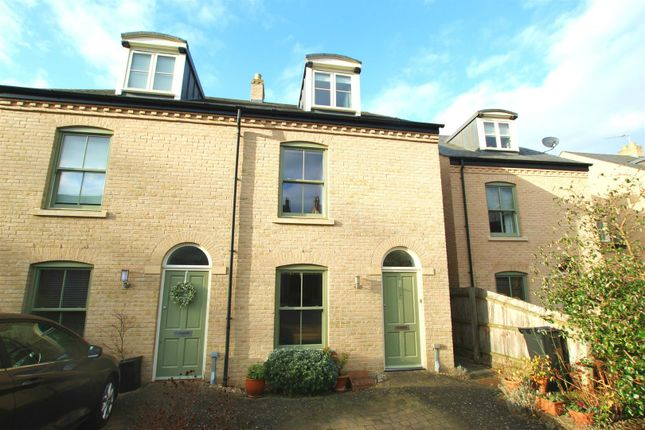 Thumbnail Property for sale in Abbey Gardens, Ditton Walk, Cambridge