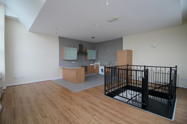2 bed property to rent in Commercial Road, Kirkdale, Liverpool