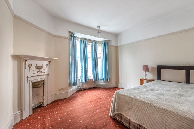 Bedroom 2 of The Broadway, Brighton Road, Worthing BN11