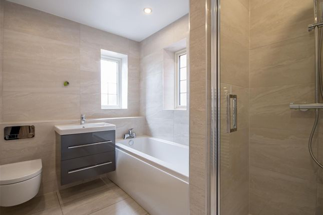 Bed1 Ens of Holt Croft Close, Breaston, Derby DE72