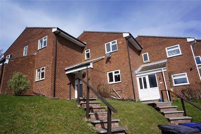 2 bed property to rent in Goudhurst Close, Canterbury
