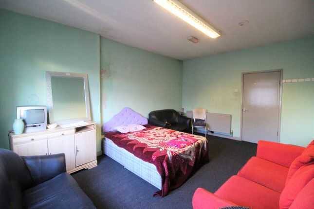 Flat in  Union Street  Oldham  Manchester