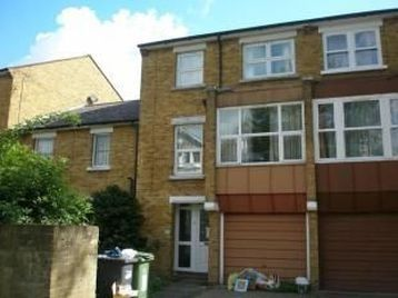 Thumbnail Terraced house to rent in Tressillian Crescent, London