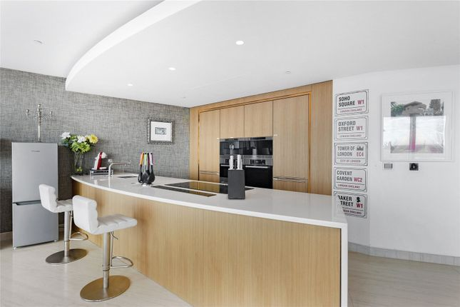 Thumbnail Flat to rent in The Tower, St. George Wharf, Nine Elms, Vauxhall, London
