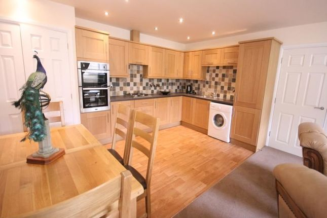 Thumbnail Flat to rent in Holly Mount Way, Rawtenstall, Rossendale