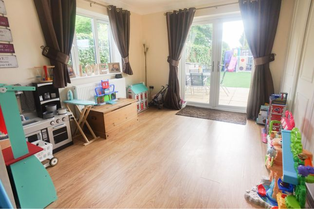Family Room of Manor Close, Bardney, Lincoln LN3